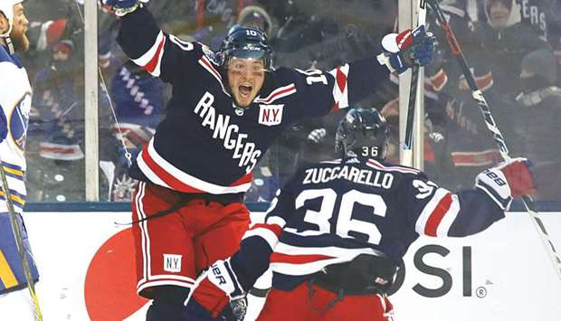 newest 2f477 622df Miller leads Rangers to overtime win in Winter Classic