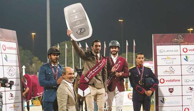Amir's Sword winner Salman Mohamed al-Emadi (third from left)