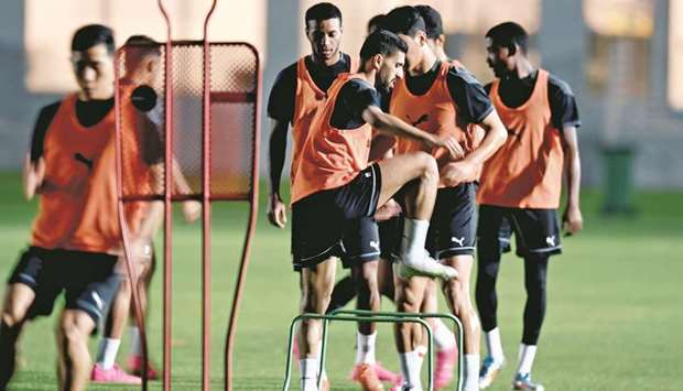 Al Sadd players train on Friday on the eve of their Amir Cup semi-finals against Al Arabi. The holde