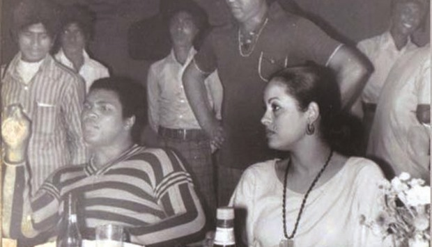 Muhammad alis forgotten land in bangladesh this file photo shows muhammad ali and his wife veronica porsche ali at a banquet hosted by the coxs bazar local administration in their honour in 1978 thecheapjerseys Choice Image
