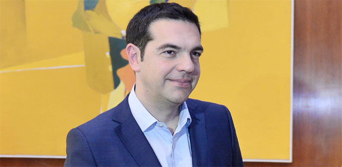 Greece dispatches team to secure last-minute debt deal