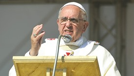 Pope denounces Christians who don't want refugees as 'hypocrites'