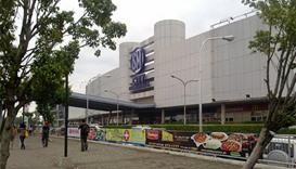 Philippine shopping mall hostage-taking kills two