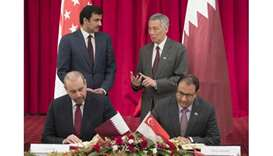 Emir, Singapore PM attend signing of agreements, MoUs