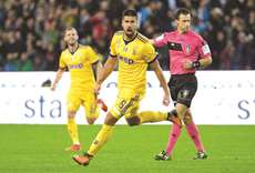 Champs Juve battle with 10 men to 6-2 win