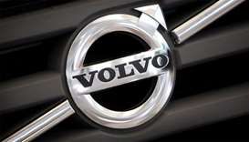 Logo of Volvo on the front grill of a Volvo truck