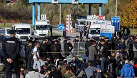 Migrants clash with police at Bosnian-Croatian border