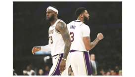 LeBron James of LA Lakers (left) and Kawhi Leonard of LA Clippers.