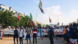 Thousands of Sudanese call for dissolving Bashir's party