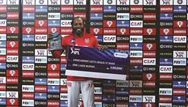 Old Man Gayle passes 1,000 T20 sixes, misses ton against Royals by one run