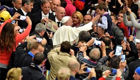 Homeless get VIP treatment from Pope Francis