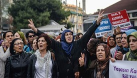 Women shout slogans in support to Peoples' Democracy Party (HDP)
