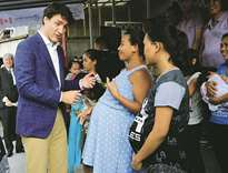 Trudeau charms Manila, orders takeaway meal