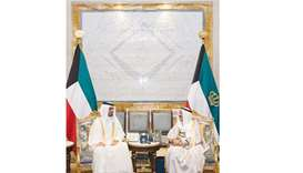 Emir sends message to Kuwaiti leader