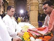 Rahul's temple visit sparks controversy