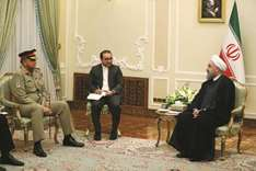 Rouhani meets Pakistan army chief
