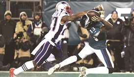 Super Bowl champs Patriots use trick play to edge Eagles