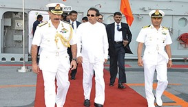 President Maithripala Sirisena being received and conducted on the flight deck of INS Vikramaditya y