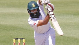Determined Amla returns to form as England toil