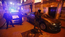 Police, ruling party hit by attacks in Istanbul