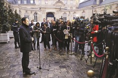 French Socialists seek unity