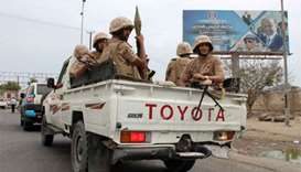 9 killed as tank battle rocks Yemen's 'coup-hit' Aden
