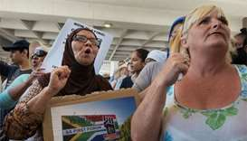 Tempers flare at Cape Town water collection point