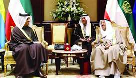 FM, Kuwaiti leaders hold talks on ties, current issues