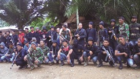 More than 100 former separatists surrender in Aceh