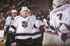 Kings' Brown takes puck in face, then delivers pain to Oilers