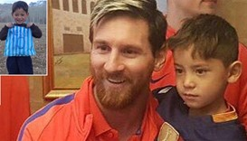 Afghan bag shirt boy meets his idol Messi