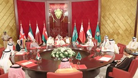 Emir takes part in closing session of GCC Summit