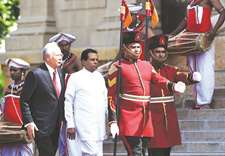 Malaysian PM arrives in Colombo