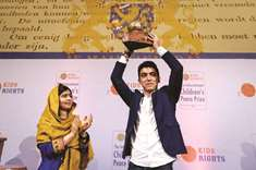 Syrian teen pleads for 'a chance' at kids peace prize