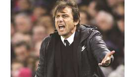 Chelsea boss Conte fined over referee rant