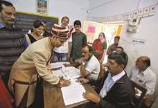 Voting in first phase of Gujarat elections ends