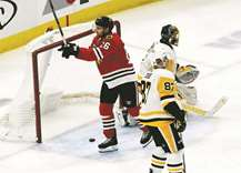Blackhawks blast Pens, end eight-game skid