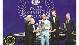 Hamilton gets trophy, Lauda named FIA personality of the year