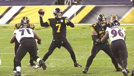 Disjointed Steelers hold on to beat Baltimore