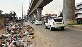 Rubbish piles up in India's pollution-hit capital