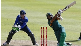 Devastating De Villiers steers South Africa to ODI series win
