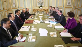 Emir holds talks with French president