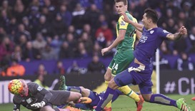 Ulloa strike gives Leicester title heart