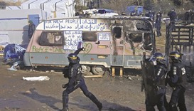 Clashes as France starts destroying the 'Jungle'