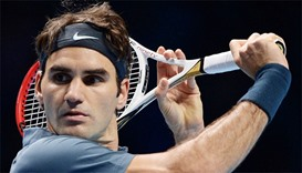 Federer out for month after knee surgery