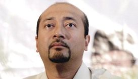 Mahathir's son forced out as Najib tightens grip over party