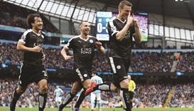 Huth sends Leicester clear, Spurs go 2nd