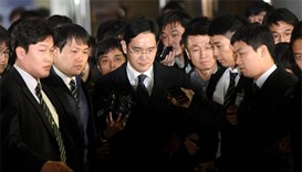 Samsung chief arrested as South Korean probe deepens