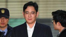 Samsung heir indicted for bribery, embezzlement: prosecutors