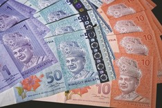 Malaysia crackdown on currency saps volatility, discourage investors